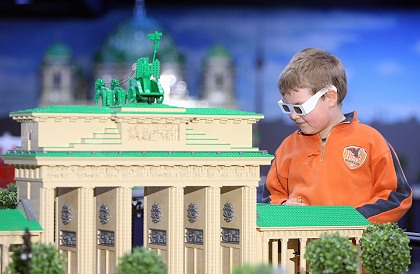 Photo of the Brandenburg Gate made from LEGO Bricks